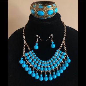 Jewelry - Vintage hinged bracelet, bead necklace set